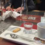 Ein richtig guter Espresso mit einem Grappa von Misani. Sehr empfehlenswert ...