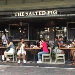 The Salted Pig (西湾河)照片