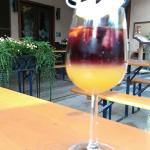 Mix-it-yourself Sangria in layers