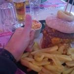 "Burger ""Heart Attack (crise cardiaque) avec 4 steaks. Courage..."