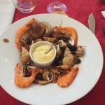 entrée assiette de fruits de mer