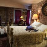 Foto de Chateau Tivoli Bed & Breakfast
