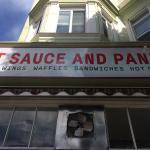 Photo de Hot Sauce and Panko
