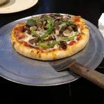 Steak-n-cheese pizza (8-inch)