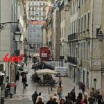 La rue de l'hôtel