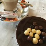 Con el café, un detallito de chocolate! 😋