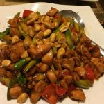 Late dinner with light crowd and good food sweet and sour chicken and Kung Pao chicken.
