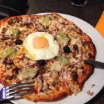 Pizza House avec supplément artichaut