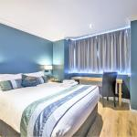Newly Refurbished Ensuite Standard Room with Sky TV