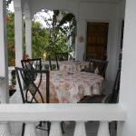 Front balcony é Dining area