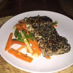 sesame crusted fish with fresh veggies