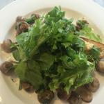 Hommus+Mushrooms+Sourdough