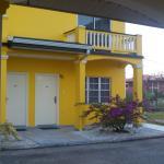 Photo de Piarco Village Suites