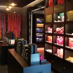 écharpes e produtos com embalagens lindas