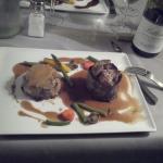 filet de boeuf aux foie gras poele et gratin aux cepes