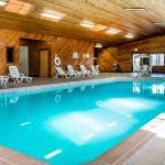 Cherrywood Lodge - Econo Lodge Inn & Suites