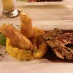 Maishähnchenbrust mit Kürbismus und gebackenem Kartoffelpüree