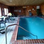 Photo de Napoleon Inn & Suites