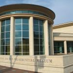 Only 2 blocks from the Lincoln Presidential Museum!