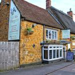 The Three Pigeons Inn, Banbury, Oxfordshire UK
