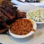 2lbs of classic spare ribs with baked beans and coleslaw