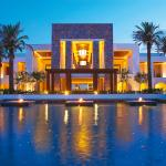 A sparkling exclusive resort full of style and cretan warmth