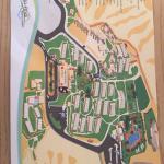 Plano del kibbutz - con el hotel, comedores, piscinas, spa, etc.