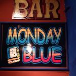 Monday Blue resmi