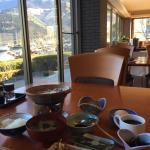 朝食と由布岳