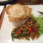 Huevo con arroz y verduras