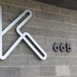 Kesling's Kitchen logo at entrance on Palm Canyon Drive