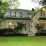 Historical 1859 Woldert-Spence Manor