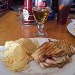 DellaRose's Avenue Tavern