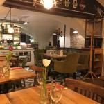 Schnuckliges Café mit romantischem Ambiente