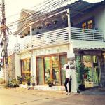 I'm really love this place ,and the owner very kind  and he so cute.