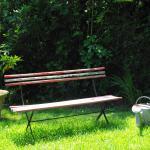 Un autre banc dans ce vaste jardin