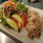 CHEFIES Jerk Salad