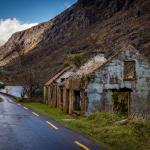An abandoned building along the path to the Gap of Dunloe