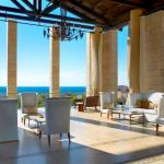 The Romanos, Costa Navarino