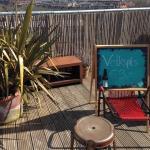 Sonntag auf dem Dach mit Musik und Sauna und hauseigenem Bier