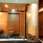 Club Regency Bathroom