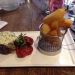 Amazing steak and food. Sophie penny and Asia work well together in a team and a  very enjoyable