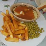 A gorgeous homemade cottege pie it's extremely amazing xx