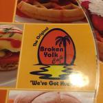 Photo de Broken Yolk Cafe - Pacific Beach