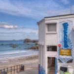 Breakers Surf Cafe