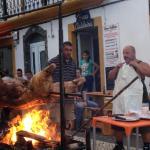 """festa tradicional """"porco no espeto"""""""