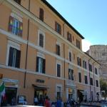 Hotelfassade mit Colosseum