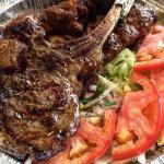 Lo mejor de la comida arabe con una carta bien variada buena opción para disfrutar en familia o