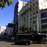 la façade sur grande avenue très passante