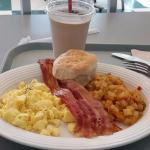 American Breakfast Flo's V8 Cafe